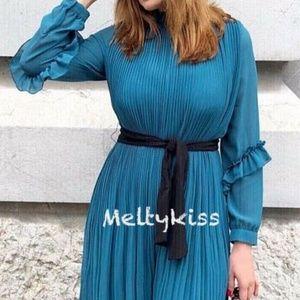 Zara Dresses - NWT ZARA AW18 PLEATED JUMPSUIT DRESS WITH BELT_S